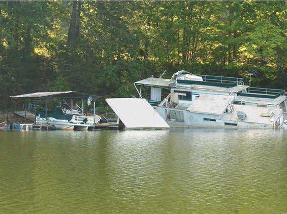 0605houseboat1