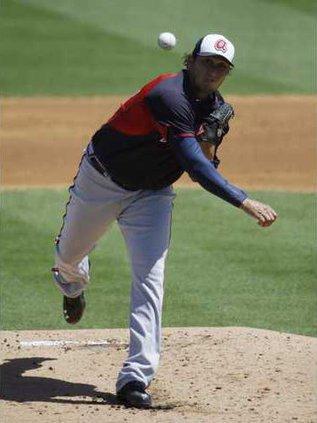Braves Cardinals Spri Hoop