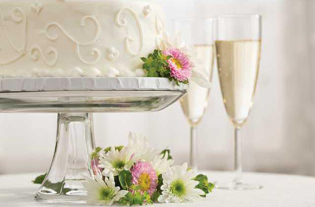 WEDDING-CAKE-STOCK-IMAGE