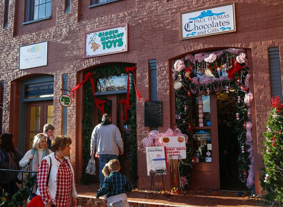 Christmas Town In Georgia Dahlonega.In This Local Town It S Christmas Every Day Gainesville